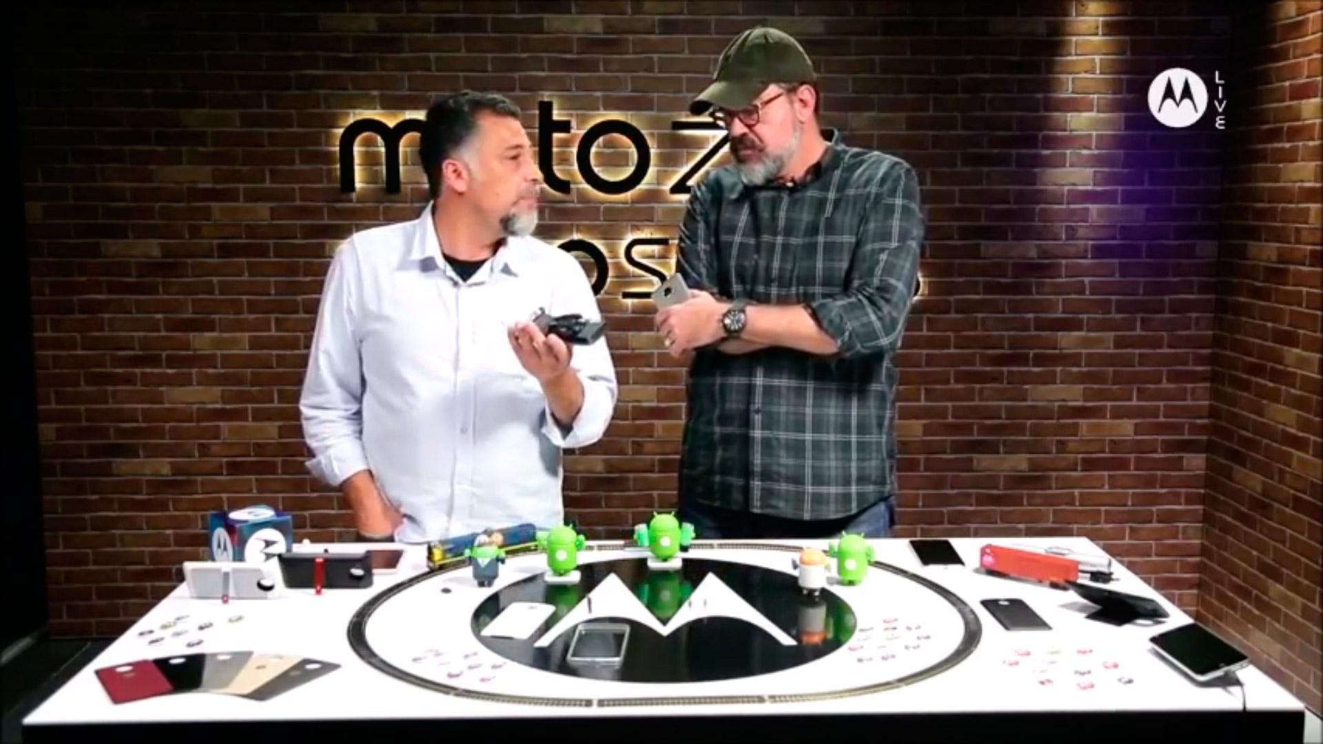 Mobgraphia no MotoZ lab live